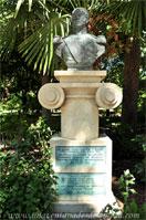 Parque del Retiro, Monumento a Juan Van-Halen y Sartí