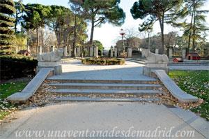 Parque del Retiro, Osos tumbados de la Casa de Fieras