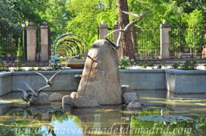 Retiro, Jardines de Cecilio Rodríguez, Escultura central de la Fuente de la Gaviota