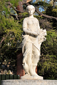 Retiro, Estatua de la Diosa Hera