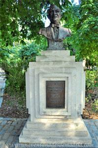 Retiro, Monumento a Pedro Vargas