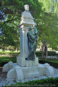 Jardines de la Rosaleda en El Retiro, Monumento a Tolosa Latour
