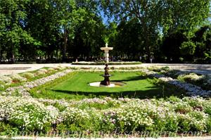 Retiro, Jardines rodeando a la Fuente del Pequeño Tritón junto a la Puerta de Hernani