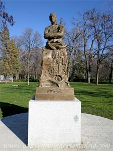 Retiro, Monumento a Antonio Mingote