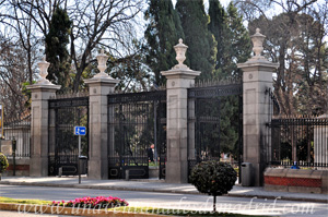 Retiro, Puerta de Hernani