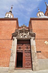 Madrid, Portada principal y linternas de las capillas de la Iglesia de San Nicolás