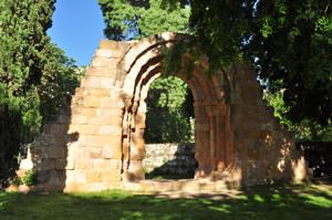 Madrid, Portada lateral de las ruinas de la Ermita de San Pelayo o de San Isidoro