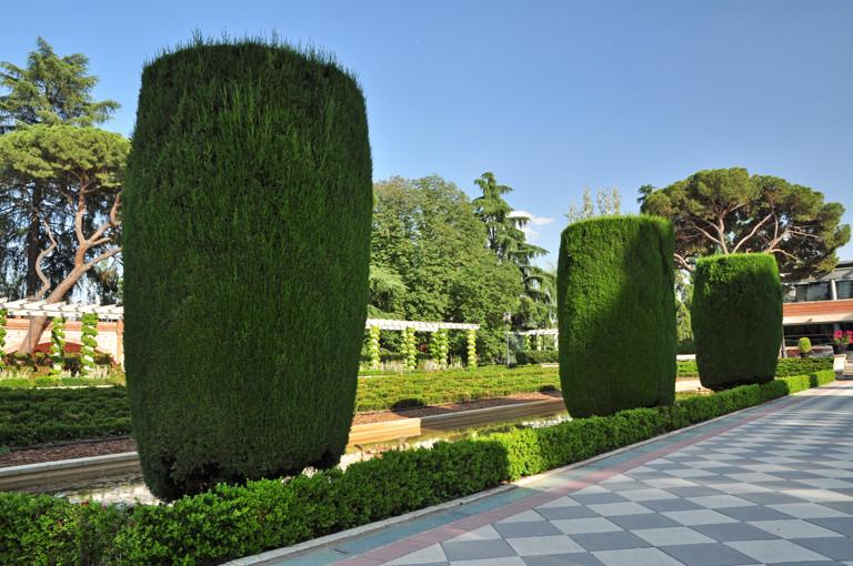 El retiro senda bot nica 5 jardines de cecilio for Piedras para jardin en monterrey