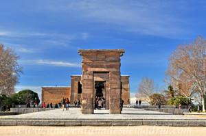 Templo de Debod, Vía de acceso principal