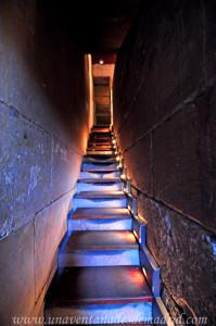 Templo de Debod, Escalera de subida a la terraza