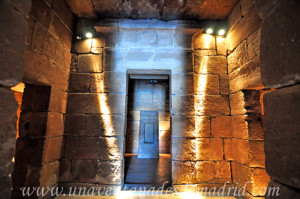 Templo de Debod, Vestíbulo interior