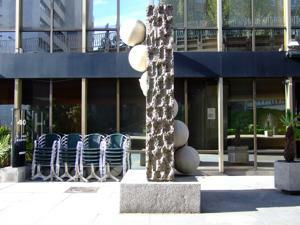 Museo de Arte Público, Al otro lado del muro