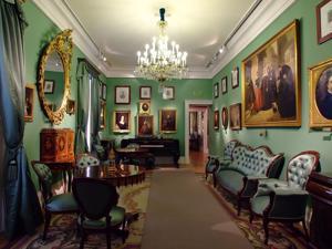 Museo del Romanticismo, Sala XVIII, La Sala de la Literatura y el Teatro