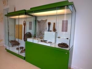 Museo Nacional de Antropología, Vitrina con útiles de caza, pesca, agricultura y ganadería