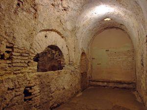 Alcázar de los Reyes Cristianos, Sala Caliente de los Baños Reales de Doña Leonor