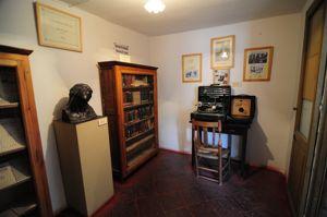 Casa-Museo de Antonio Machado, Habitación dedicada a Machado y la Universidad Popular Segoviana