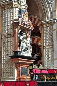Mezquita de Córdoba, Escultura del Apóstol Santiago