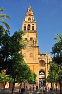 Catedral - Mezquita de Córdoba, Torre - Campanario de la Catedral desde el Patio de los Naranjos