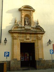 Córdoba, Iglesia Parroquial de San Juan y Todos los Santos, portada lateral