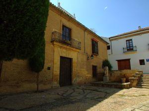 Córdoba, Casa Solariega del siglo XVII en la Plaza de Séneca