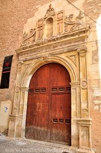 Cuenca, Portada de la Iglesia de Santa Cruz