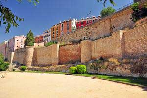 Cuenca, Murallas junto al Paseo del Parque Huécar