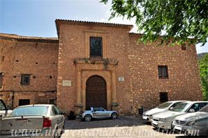 Cuenca, Portada renacentista de las Casas Colgadas