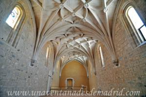 Catedral de Segovia, Antigua librería y escalera de subida al fondo