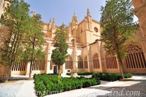 Catedral de Segovia, Exterior Norte y Este del Claustro