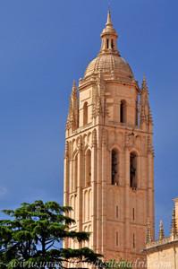Torre de la Catedral de Segovia, Laterales Sur y Este de la Torre Campanario