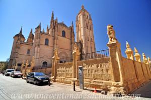 Catedral de Segovia, Lonja el 'Enlosado'