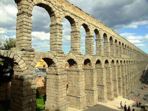 Segovia, Acueducto visto desde el Noroeste (desde el recinto amurallado)