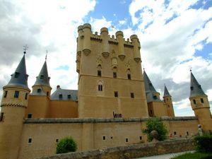 Segovia, Alcázar, fachada principal