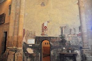 Restos de la antigua decoración mural de la Iglesia de la Vera Cruz