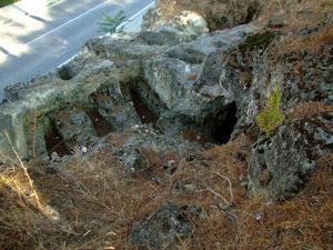 Segovia, Tumbas antropomorfas del Cementerio Judío
