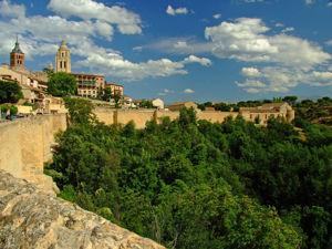 Segovia, Vista de la muralla desde la Ronda de Don Juan II