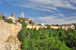 Murallas de Segovia desde la Ronda de Juan II a la Casa del Sol