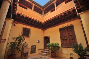 Segovia, Patio de la Casa del Hidalgo - Museo Rodera-Robles