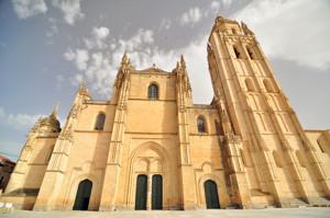 Segovia, Portada principal y torre de la Catedral