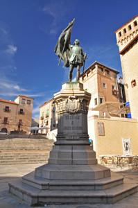 Segovia, Estatua de Juan Bravo en la Plaza de Medina del Campo