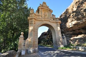 Segovia, Cara interior de la Puerta de la Fuencisla