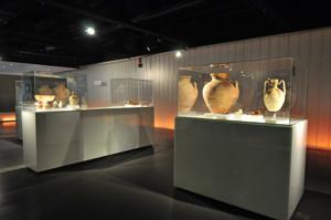 Antiquarium de Sevilla, Vitrinas de la exposición