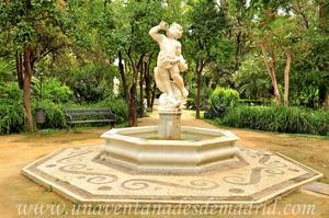 Sevilla, Parque de María Luisa - Jardines de las Delicias, Fuente de Neptuno Niño