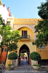 Murallas de Sevilla, Arco de la Plata