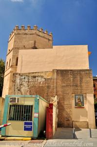 Murallas de Sevilla, Postigo del Carbón