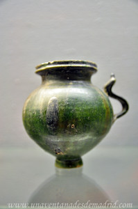 Museo Arqueológico de Sevilla, Cerámica vidriada en verde
