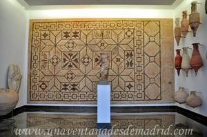 Museo Arqueológico de Sevilla, Estatua de la Diosa Fortuna y Mosaico del Siglo I d.C.