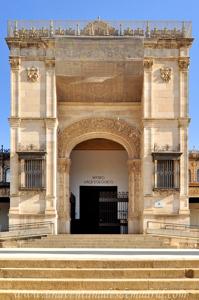 Entrada principal del Museo Arqueológico de Sevilla