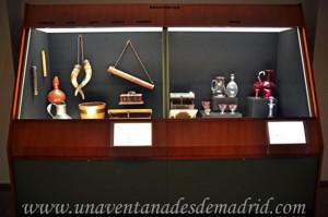 Museo de Artes y Costumbres populares de Sevilla, Los recipientes del equipamiento doméstico, vidrio y asta, cuero, lata, madera o vegetal