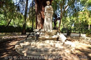 Sevilla, Parque de María Luisa, Monumento a Gustavo Adolfo Bécquer